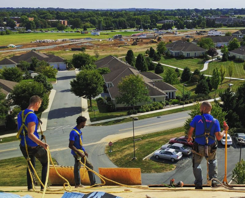 crew-working-joyland-roofing
